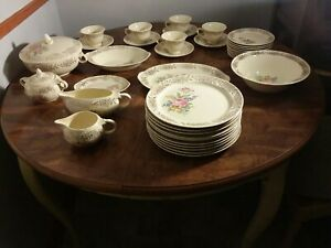 Antique 1933 34 Piece Taylor Smith 22kt  Gold  Floral Flowers Cream  RARE  10461