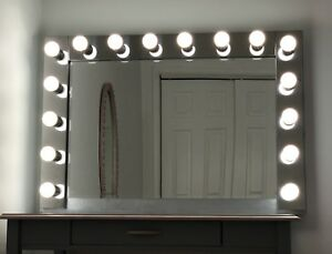 Vanity Hollywood Makeup Mirror with 16 LED Lights 45.5