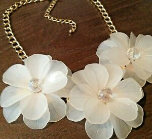 Clearfrosted Statement ^BIB Necklace Multi-Flower AcrylicCrystal (21