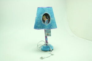 Frozen Die-Cut Table Lamp Metal Frame Construction w Pull Cord On Off Switch