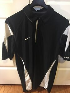Mens Nike Dri Fit short sleeve shirt Med
