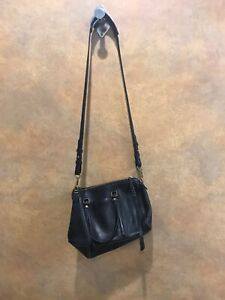 Fossil Womens Black Cross body Adjustable Strap Zip Up Casual Purse