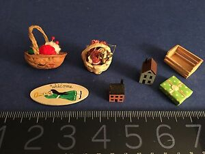 VINTAGE DOLL HOUSE mini:2 sewing baskets Artisan Signed Welcome Signhouses $25.00