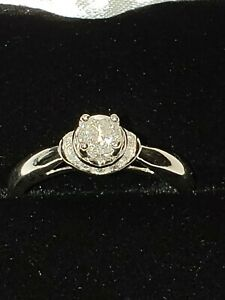 14k white gold diamond engagement ring .33 carats . Size 7 12 Preowned.