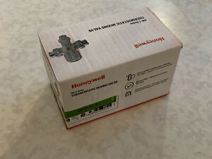 "NEW Honeywell AM101-US-1LF Thermostatic Mixing Valve 34"" Union Sweat 70-145F"