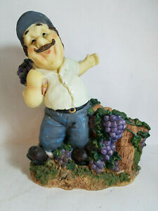 Resin Italian Man Carrying Basket of Grapes Wine Bottle Holder PreOwned
