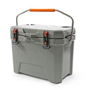 26 Quart high performance cooler ice camping heavy duty insulated bear resistant