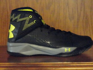 New! Mens UNDER ARMOUR ROCKET 2 BASKETBALL SHOES Black Gray Yellow $49.99
