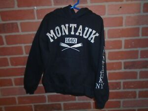 MONTAUK NEW YORK BOYS HOODIE SWEATSHIRT SIZE MEDIUM $8.00