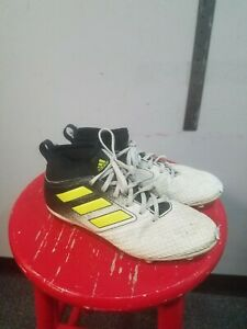Adidas Youth Cleats US Size 4.5 $18.19