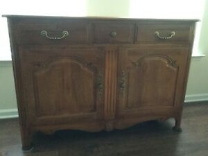 ETHAN ALLEN COUNTRY FRENCH SERVER SIDEBOARD