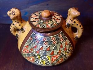 Pisac Peru Pottery Covered Pot Jar with Jaguars for handles RARE