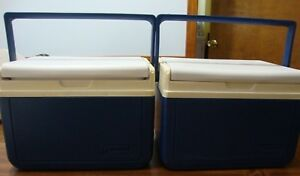 LOT of 2 VINTAGE COLEMAN COOLERS PERSONAL LUNCH 6 PK BLUE WHITE MODEL 5205
