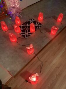 10 Lights  Christmas Walkway Luminarias Set Red Bags 30 Foot Wire Each Bag 10x5""