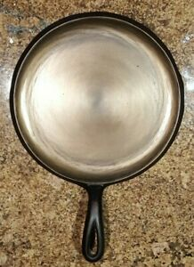 Vintage Restored Unmarked #8 Cast Iron Griddle Great for camping or cooking