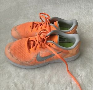 Nike Girls Low Top Athletic Sneaker Size 5y Orange $8.00