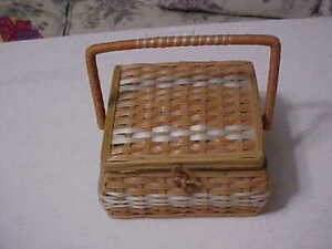Sewing Vintage Sewing Basket with Seam Ripper Ruler Scissors and All You See $15.00