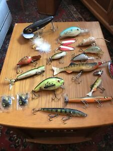 Giant Musky Plastic Jitterbug amp; Other Old Lures