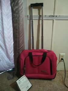 Leisure Rolling Wheeled Garment Carry On Luggage Bag
