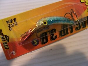 1 3.0 MAG LIP Yakima Bait quot; Mad Man quot; Gold Blue Red Silver New in Package