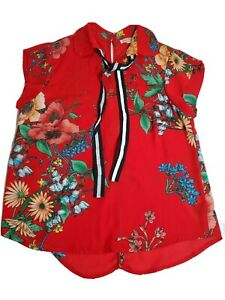 Lily White Red Floral Top size Small $20.00