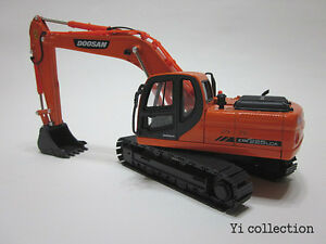 NEW!!! DOOSAN DX225LCA 1:40 CONSTRUCTION EXCAVATOR DIECASTS CARS TOYS Boys Girls