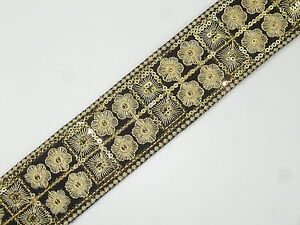01yd Embroidered Trim 02
