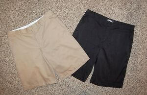 Lot of 2 mens black khaki golf shorts Nike Tour Greg Norman sz 33 34 perfect
