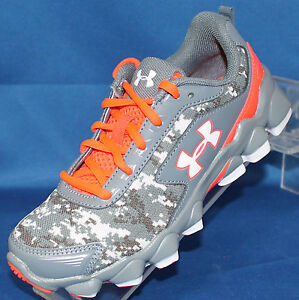 Youth Boys Under Armour BPS Nitrous Shoes Size 1.0 - 1258208-005