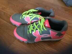 Girls Under Armour Lace Up Pink Green & Gray Softball Cleats - Size 5.5