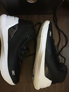 Under Armour Curry 3 Basketball Shoes Youth Size 6.5 Black and White