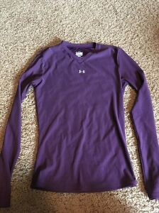 Under Armour Youth Medium Dry Fit Long Sleeve Shirt
