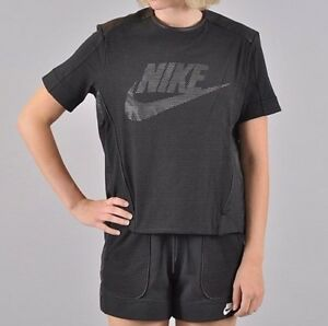 NWT NIKE 749130 010 $100 Women's PERFORATED BACK ZIP BLACK GRAPHIC T-SHIRT ANB
