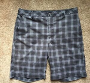 MEN'S UNDER ARMOUR PERFORMANCE GREY PLAID GOLF CASUAL SHORTS  34