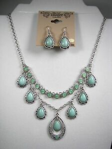 Nine West Vintage America Necklace & Earring Set Faux Turquoise Silver Tone