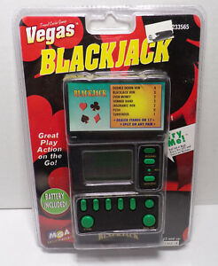 BICYCLE HORSE RACING ELECTRONIC HAND HELD GAME NEW 1994 $11.99