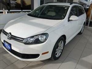 2013 Jetta 4DR MANUAL SPORTWAGEN TDI 2013 Volkswagen Jetta Candy White with 9807 Miles available now!