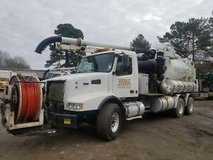 2004 Volvo Vactor 2100 Dual Rear Axle Sewer Cleaning Vac Truck