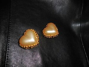 chanel gripoix heart earrings clip and just the right size $538.00