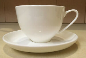 NIB Alex Liddy Bistro White Coffee Cups and Saucer Set of 4