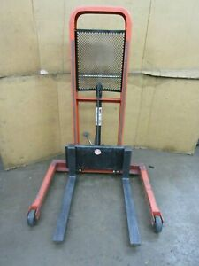 PRESTO LIFTS M452 HYDRAULIC STACKER LIFT TRUCK 48