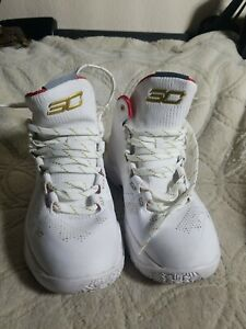 Under Armour Curry Sz. 4.5Y STEAL PRICE White Gold Stephen Curry Sneakers