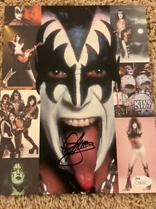 KISS individual photo signed by Gene Simmons and Paul Stanley (4 pictures) 8X10