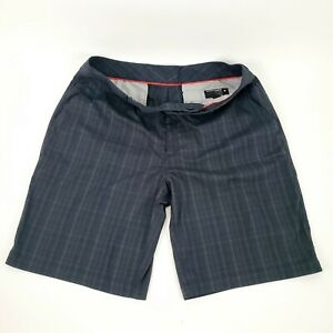 Men's Under Armour 36 Black Golf Shorts w Gray Pin Striped Plaid 100% Polyester