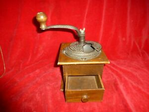 GREAT CIVIL WAR ERA OFFICER'S CAMP ORNATE COFFEE GRINDER WITH DRAWER - EXC COND