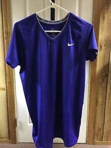 Nike Pro Combat Fitted V Neck Dri Fit Mens Shirt Used Size XL Purple