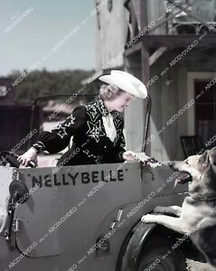 4x5-0267 circa 1953 Dale Evans & Bullet the dog & Nellybelle the jeep TV The Roy