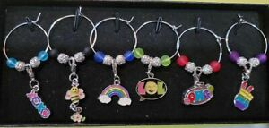 SET OF 6 EMOJI/EMOTICON WINE GLASS CHARMS PENDANT DRINK MARKERS