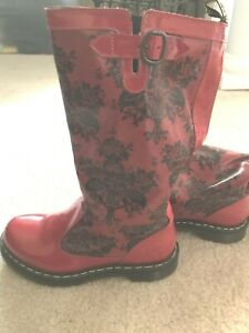 RARE Dr. Martens 'Nellie' Festival Boots in Red with Black Lace Pattern. SZ 8 $59.99