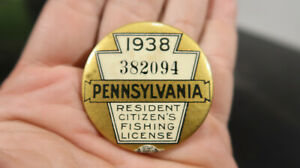 1938 Pennsylvania PA Fishing License 382094